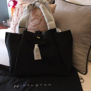377e29ca0072 NWT H by Halston Leather Embossed Handbag ❤️